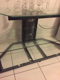 Glass TV Stand in excellent condition  Avenel, 07001