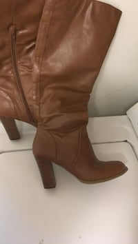 Size 8 boots, worn 2 Times only. In good condition. Retail was $86 on sale, when I purchased them. Tenino, 98589