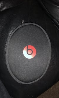 beats by. dre for sale !! Pickering, L1X 1R8