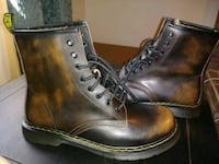 Mens leather boots size 10.5