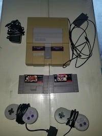 SNES 2 CONTROLLERS 2 GAMES $140