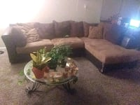 Sectional and table Clarksville, 37043