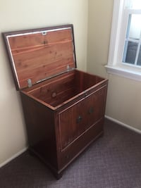 Lane cedar chest Alexandria, 22301