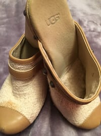 Beige-and-brown   leather clogs
