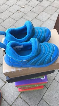 Baby shoes (size 8c) West Vancouver, V7S