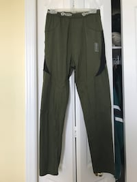 Army green jogging tights 734 km
