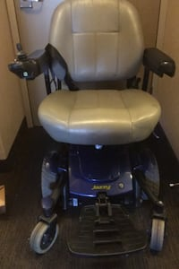 Electric wheel chair ( jazzy select 6) Vancouver, V6Z 1R2