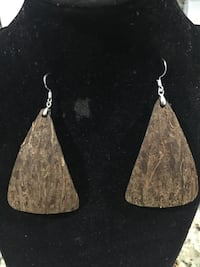 pair of silver-colored hook earrings Miami Gardens, 33056