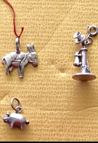 4 silver pendants... Everett, 98208