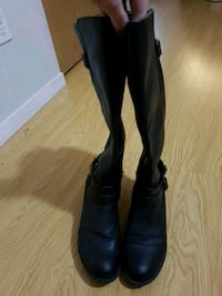 black leather boots size 9 Surrey, V3T 1Y1