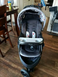Baby stroller like new Essex, 21221