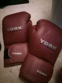 pair of red leather boxing gloves Mississauga, L4Z 4K1