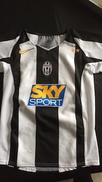 Juventus soccer jersey size 8 youth  Vaughan, L4L 6C1