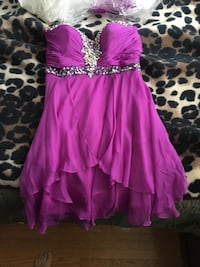 Deep Fuchsia Strapless Dress. Worn once, in perfect condition, padding inserted in bust, silver sequins.  Toronto, M9W 1Y7