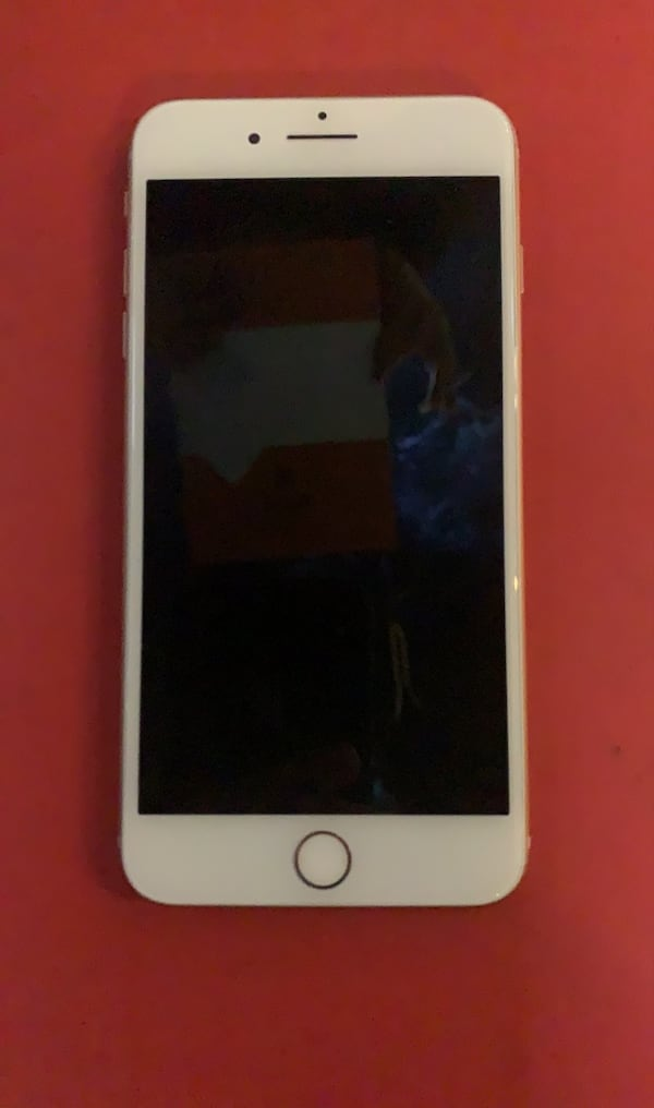 Iphone 8 plus e33dbd68-1370-4b00-956a-1b688498d3be
