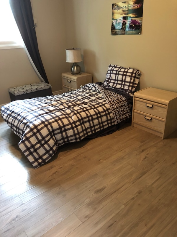 Children's single bed with, 2 end tables, 1 dresser, good condition! Asking $100 b657525a-23a8-4986-afac-05ca337360f8