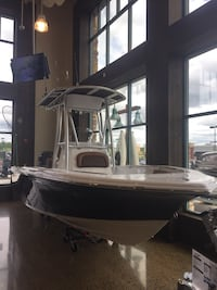 2017 Center Console Fishing Boat