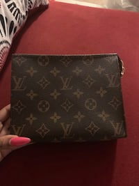 Authentic lv monogram toiletry 19 District Heights, 20747