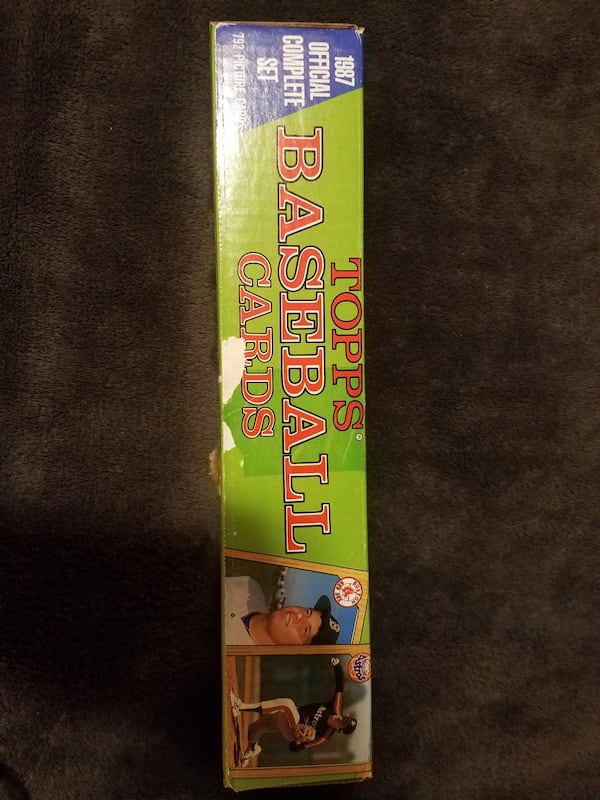2 complete sets of 1987 1988 topps baseball cards  e4ebf705-8731-40a4-af87-74f42f264966