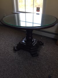 round brown wooden pedestal table South Berwick, 03908