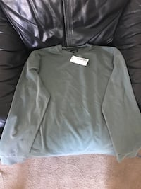 Men's XL Sweater Brand New With Tag. Belleville, K8P