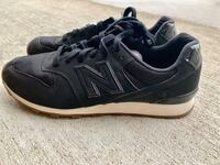 Ladies size 9 black New Balance shoes Urbandale, 50323
