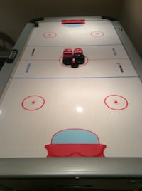 Air hockey table Caledon, L7E 3K4