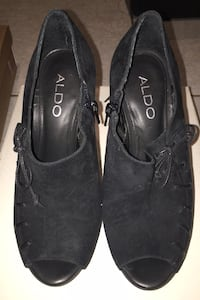 Black ALDO ankle heels!
