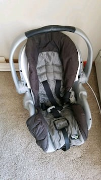 baby's gray and black Chicco car seat carrier Edmonton, T6T 0E5