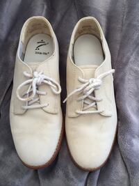 pair of white leather shoes Essex, 01929