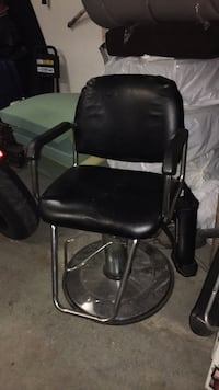 Vintage barber chair Richmond, V7E 5P9