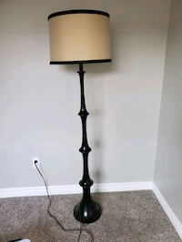 Standing lamp, black wood, beige shade
