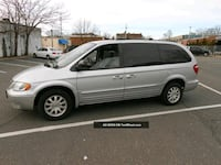 2003 Chrysler Town & Country Cabot