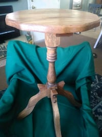 SALE Outstanding 26in Quality Table, Hardwood, Bea Fort Thomas