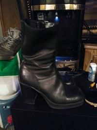 Cute leather boots size 8 St. Cloud, 56301