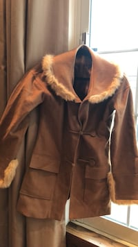 Coat with real fur. Size M