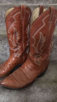 pair of brown leather cowboy boots Bainbridge, 17502