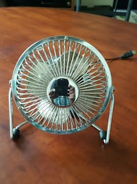 fan with plug for computer and car/truck 26 mi