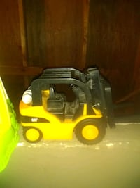 Cat brand toy forklift