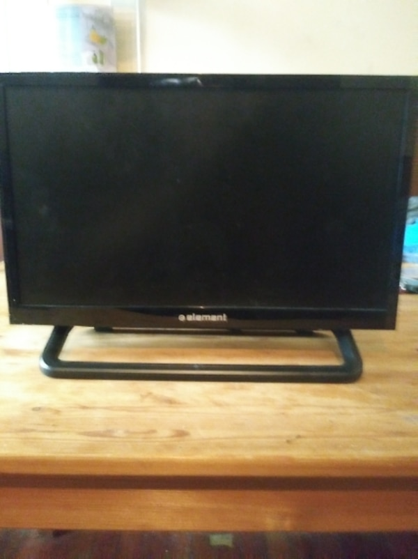 Used Small Flat Screen Tv For Kids Bathroom Kitchen Etc