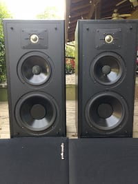 Polk Audio Monitor Series 5 Speakers in excellent condition! Rockville
