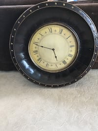 Huge brown wall clock. Works great. Must pick up in Hendersonville off Bluegrass Dr Hendersonville, 37075