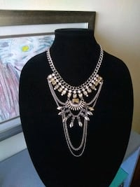 Necklace•