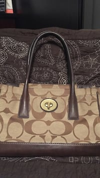 Coach Purse lightly used Vancouver, V5V 4X8