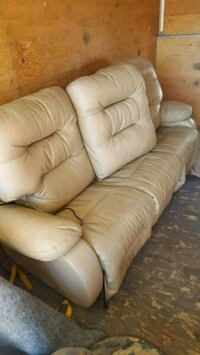 white leather 3-seat sofa electric recliner Kamloops, V2B 6C2