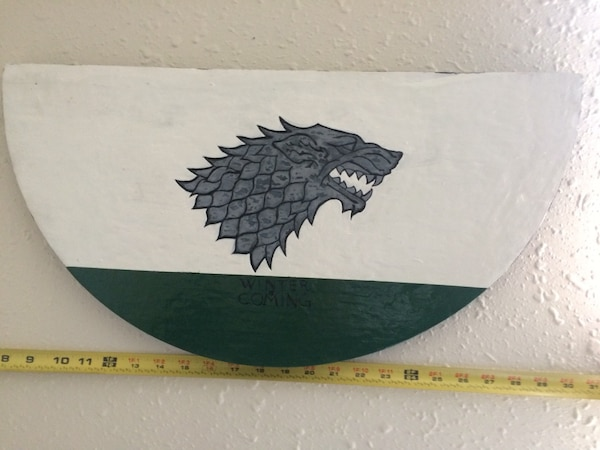 House Stark - Game of thrones Hand carved and painted !