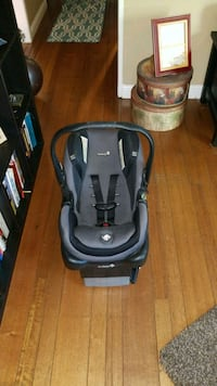 baby's black and gray car seat carrier Sacramento, 95842