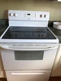 Electric stove w/glass cooktop Winchester, 22602