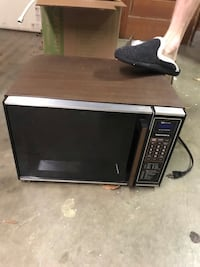 black and gray microwave oven Portsmouth, 23703