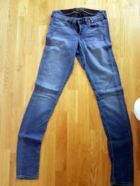 Guess stretch jeans st.28 Solna